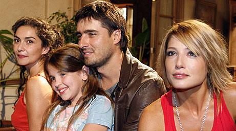 http://www.emol.com/especiales/teleseries_07/fotos/papiricky.jpg